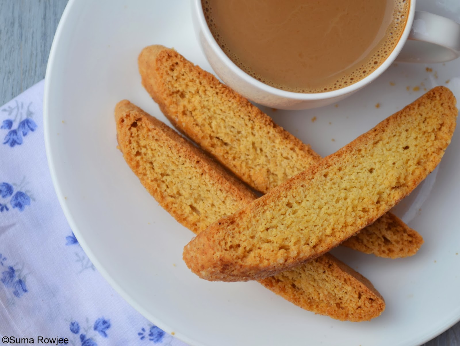Cakes And More!: Cinnamon Cornmeal Biscotti
