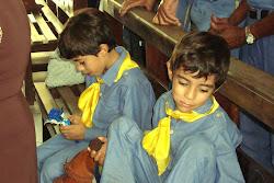 crianças na brincadeira do bacamarte