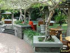 Tempat makan outdoor Kebon Raja ungaran