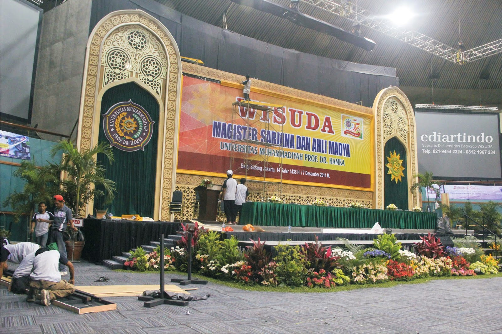 Backdrop UHAMKA
