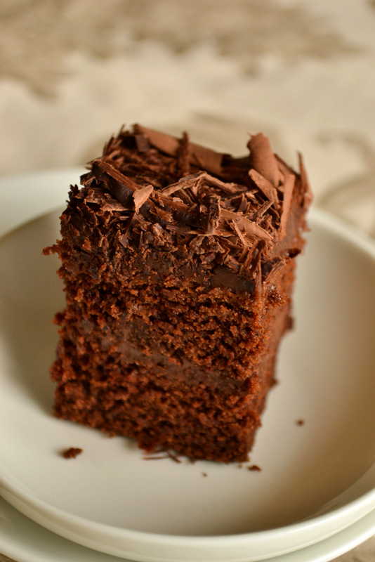vegan-chocolate-cake-square
