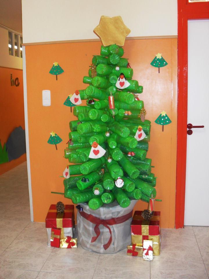 Finalistas del concurso la navidad m s verde atades - Ideas decoracion navidad colegio ...