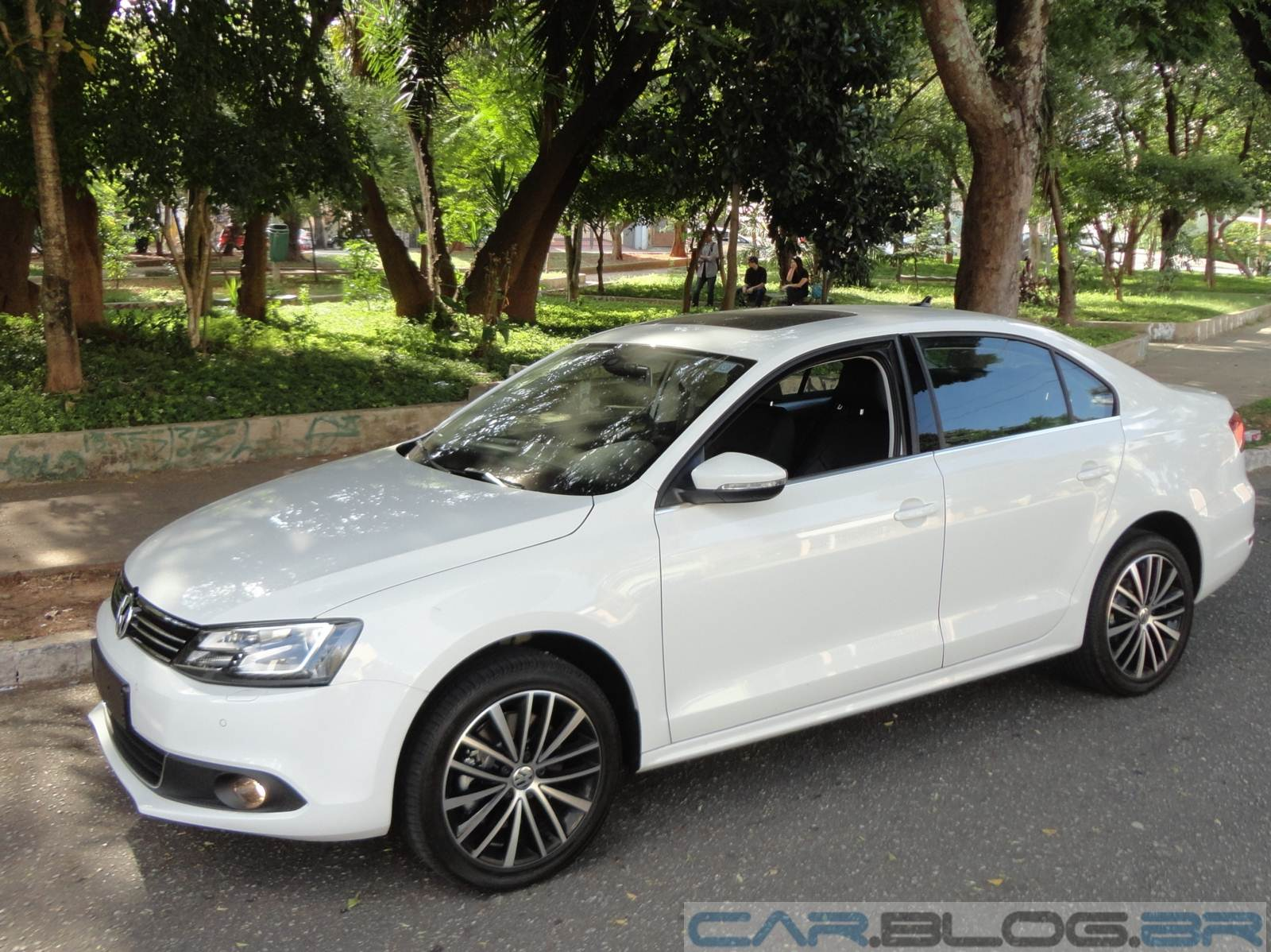 VW Jetta TSIO 2014 - descontos