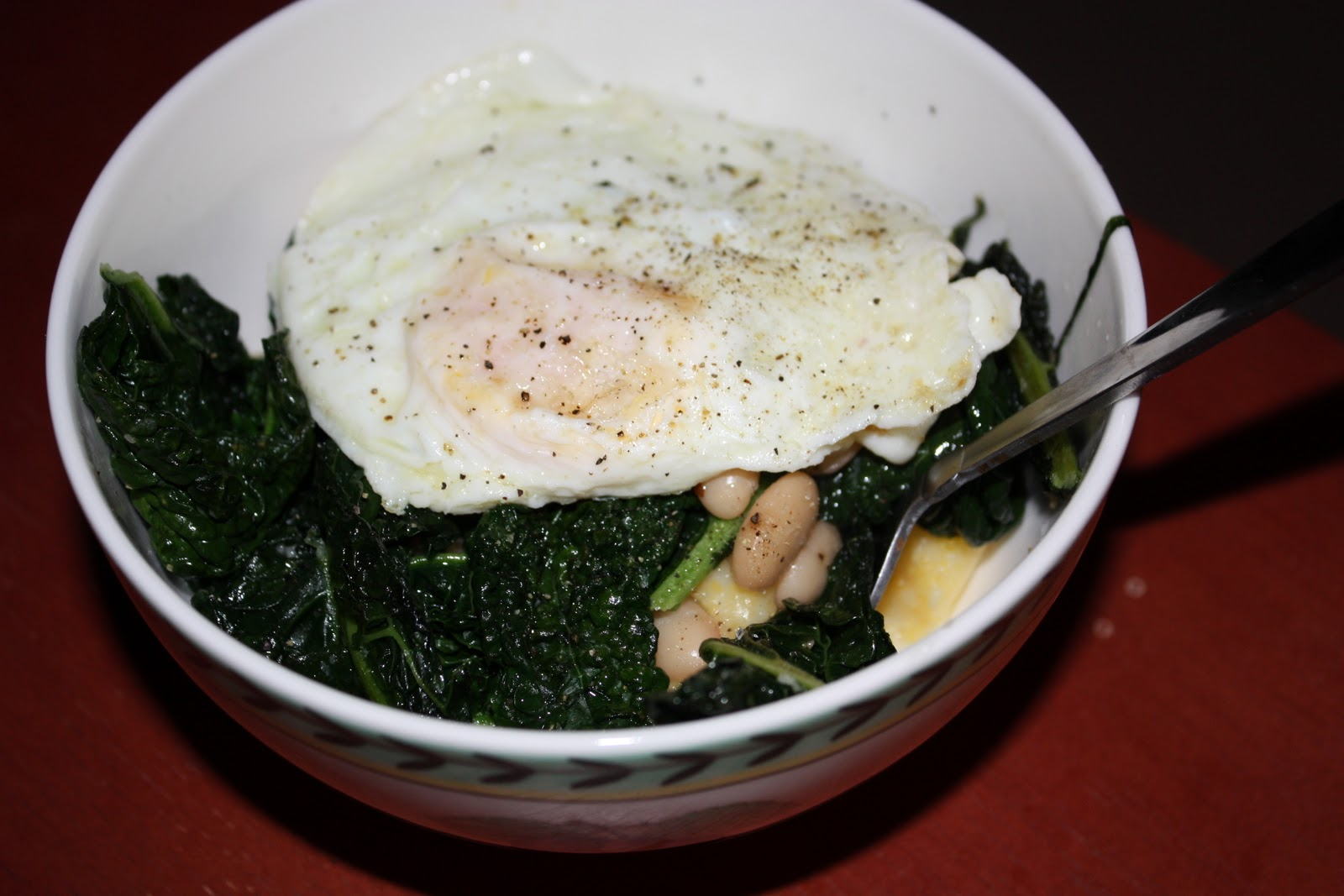 married to a meat-eater: Polenta with Kale, White Beans, and Fried Egg