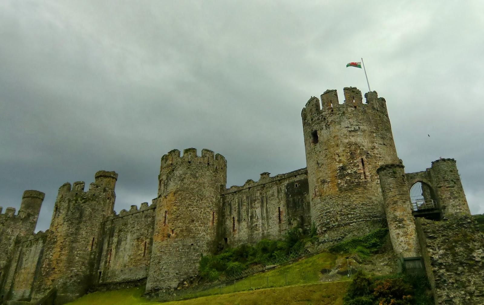 Annales Historiae: Conwy Castle and the Guide to Medieval ...