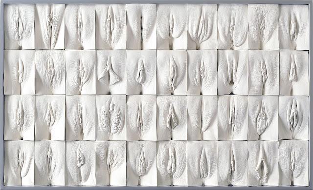 """Moldes de gesso obtidos de vaginas de voluntárias para o projeto """"A grande parede de vaginas""""."""