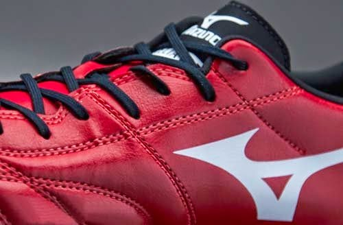 2014 Mizuno Morelia Football Boots with Red and Black Colors