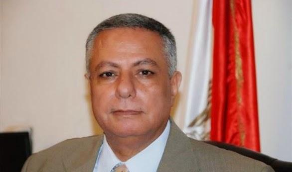 """أبو النصر الان """" 16 مليون جنية لصرف حافز الاثابة للمعلمين اثناء جولتة بمحافظة اسوان """""""