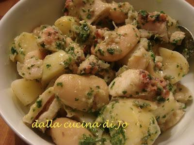 polpo in insalata con fagioli bianchi di spagna e patate