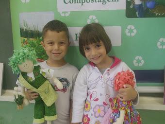 Bonecos de Pano Viva e Verde