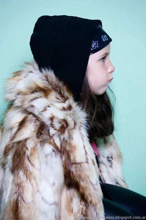 Complot otoño invierno 2014. Moda infantil otoño invierno 2014 tapados nenas.