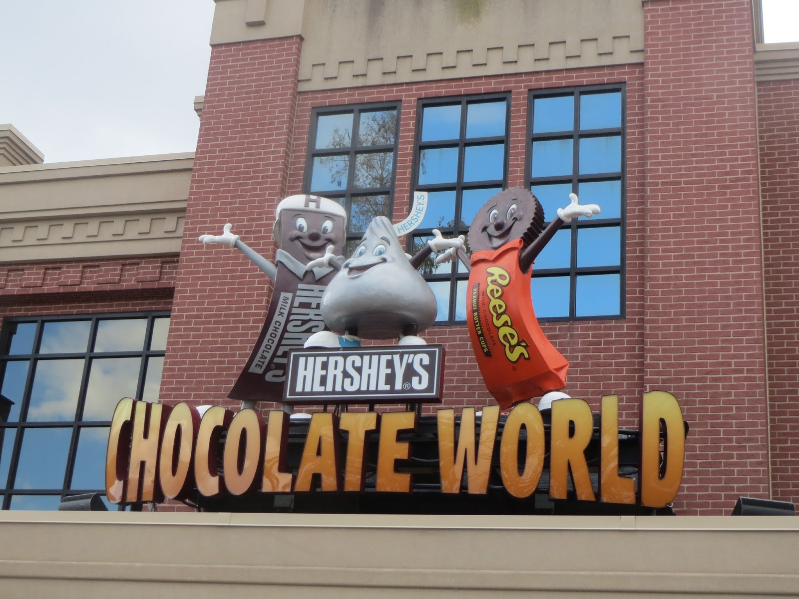 Have Budget Will Travel: Hershey's Chocolate World Review ...