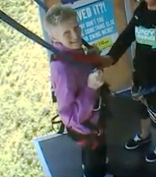 81-year-old Irish woman bungee swings for free in New Zealand ? VIDEO ...