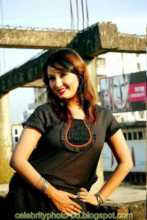 Dhaka+Girl+Homely+Made+Model+Photos003