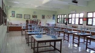 peralatan di lab biologi