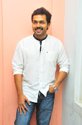 Karthi at Oopiri Pressmeet-thumbnail-10