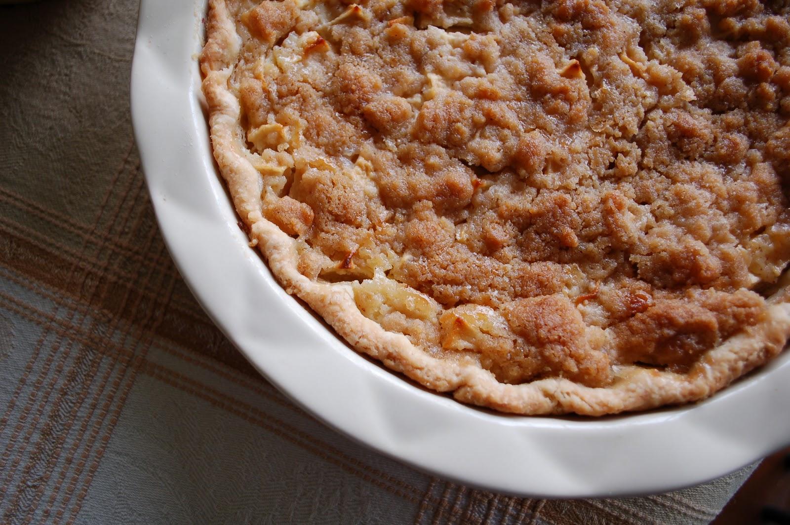 The Spice Garden: Sour Cream Apple Pie