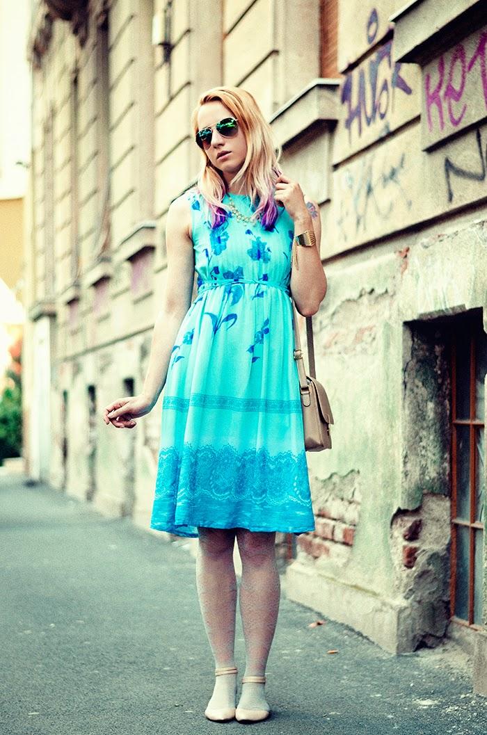 turquoise vintage floral dress H&M mirros sunglasses Asos flats