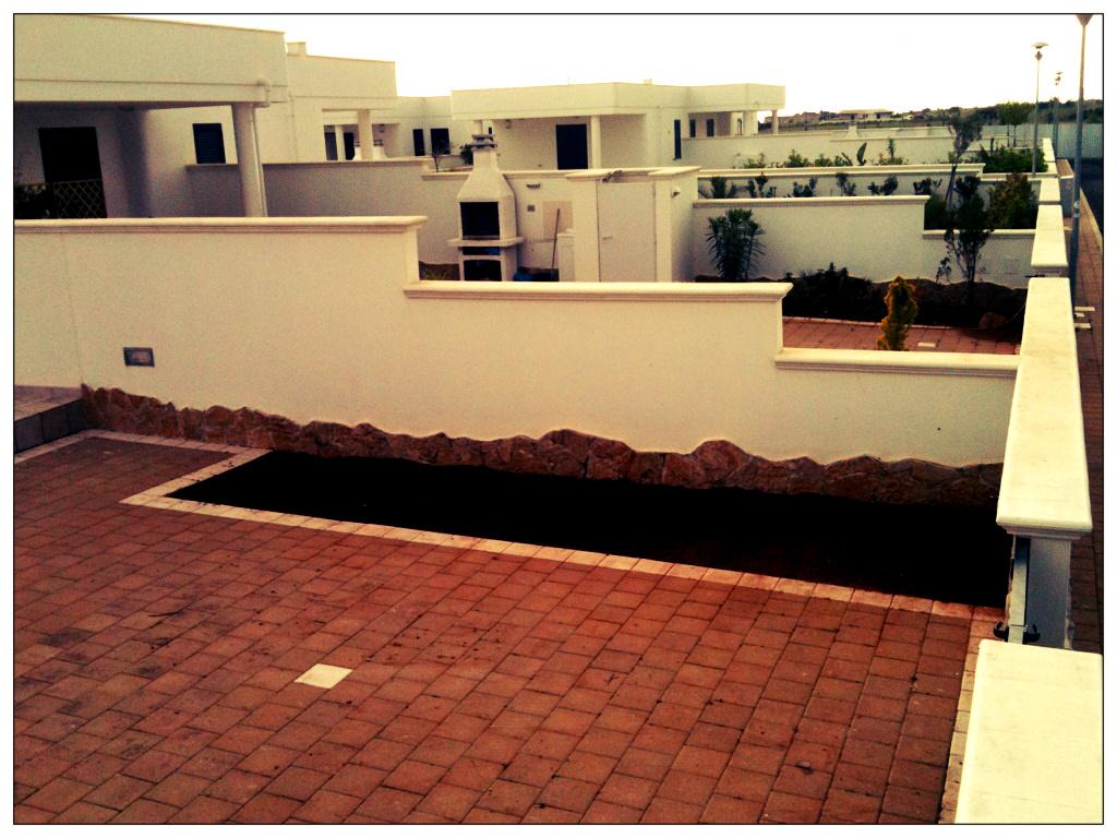 Au dehors studio architettura del paesaggio verde pungente for Costo di aggiungere un portico di fronte a una casa