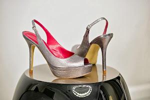 Descubre la sensación de diseñar tus propios zapatos en KELI&SALO