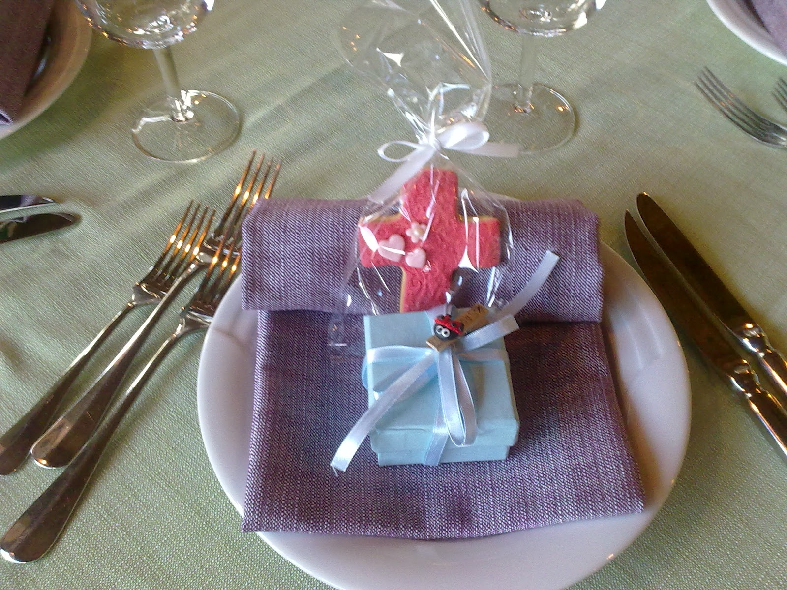 Ben noto tortine e biscotti in festa: Segna posto per prima comunione e  FJ31