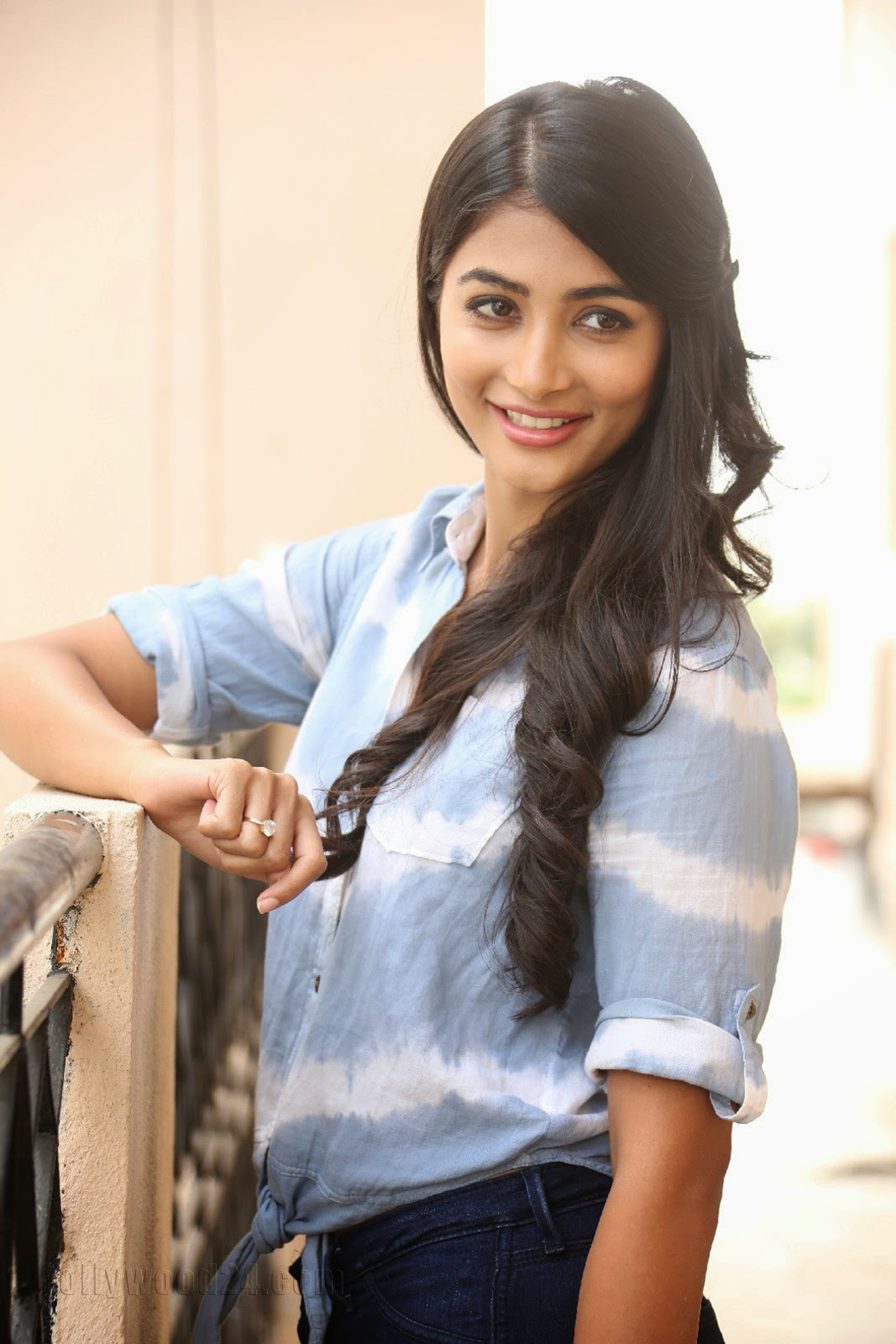Pooja hegde gorgeous photo shoot-HQ-Photo-17