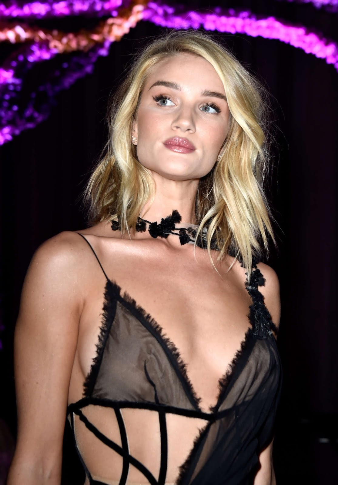 Rosie Huntington Whiteley: Versace Fashion Show