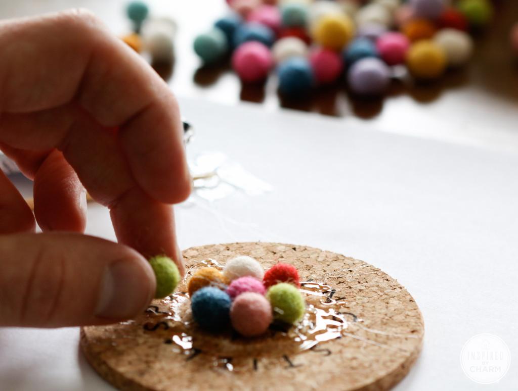 Untersetzer Selber Basteln filzkugel teppich selber machen simple filzkugeln filzwolle farben