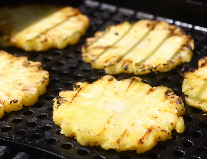 Grilled pineapple by SeasonWithSpice.com