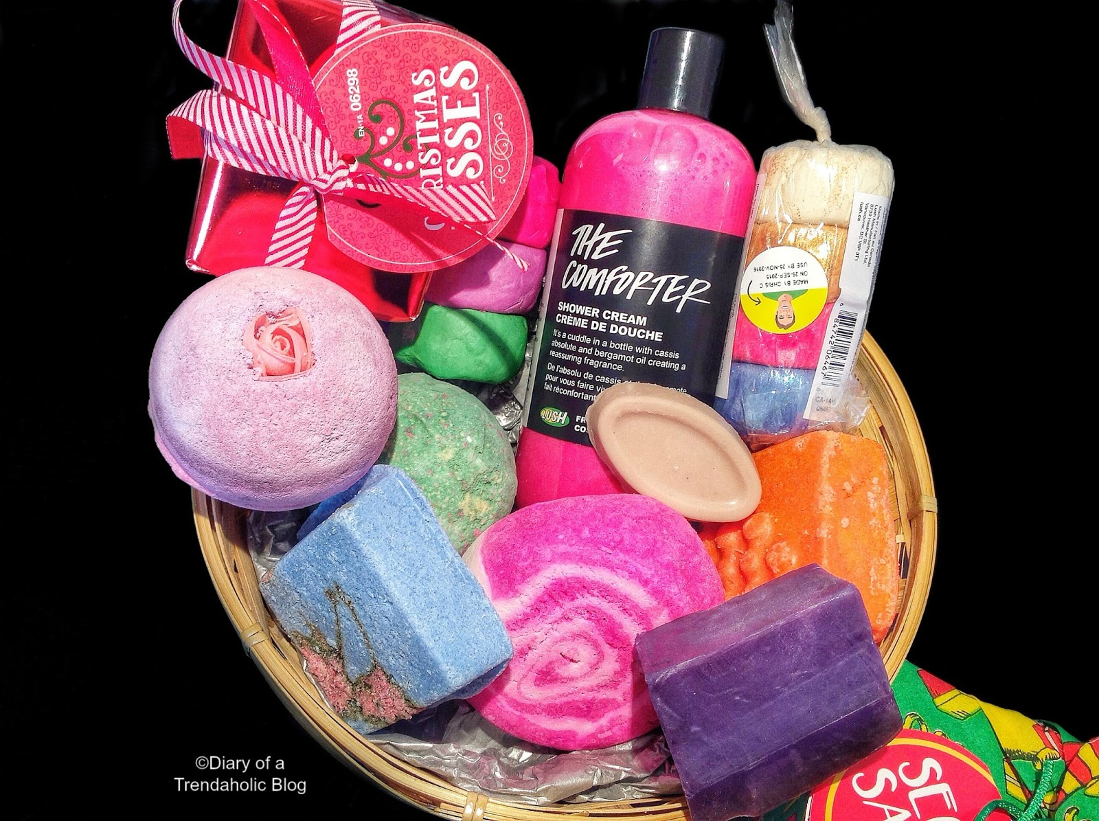Diary of a trendaholic lush christmas collection gift for Make your own christmas gift baskets