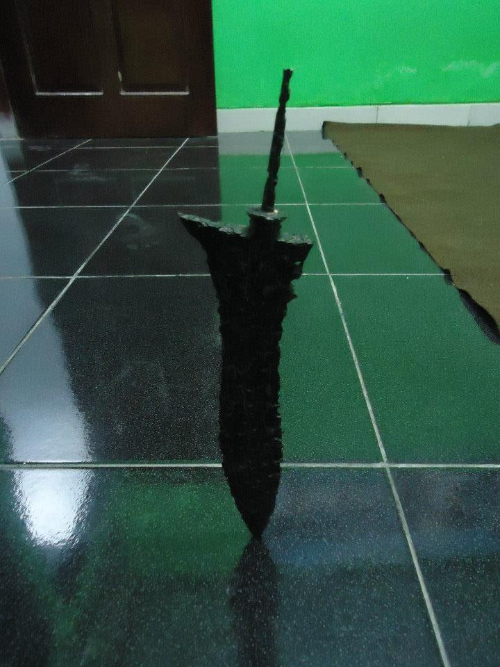 Keris Sakti yang dapat berdiri - http://munsypedia.blogspot.com/
