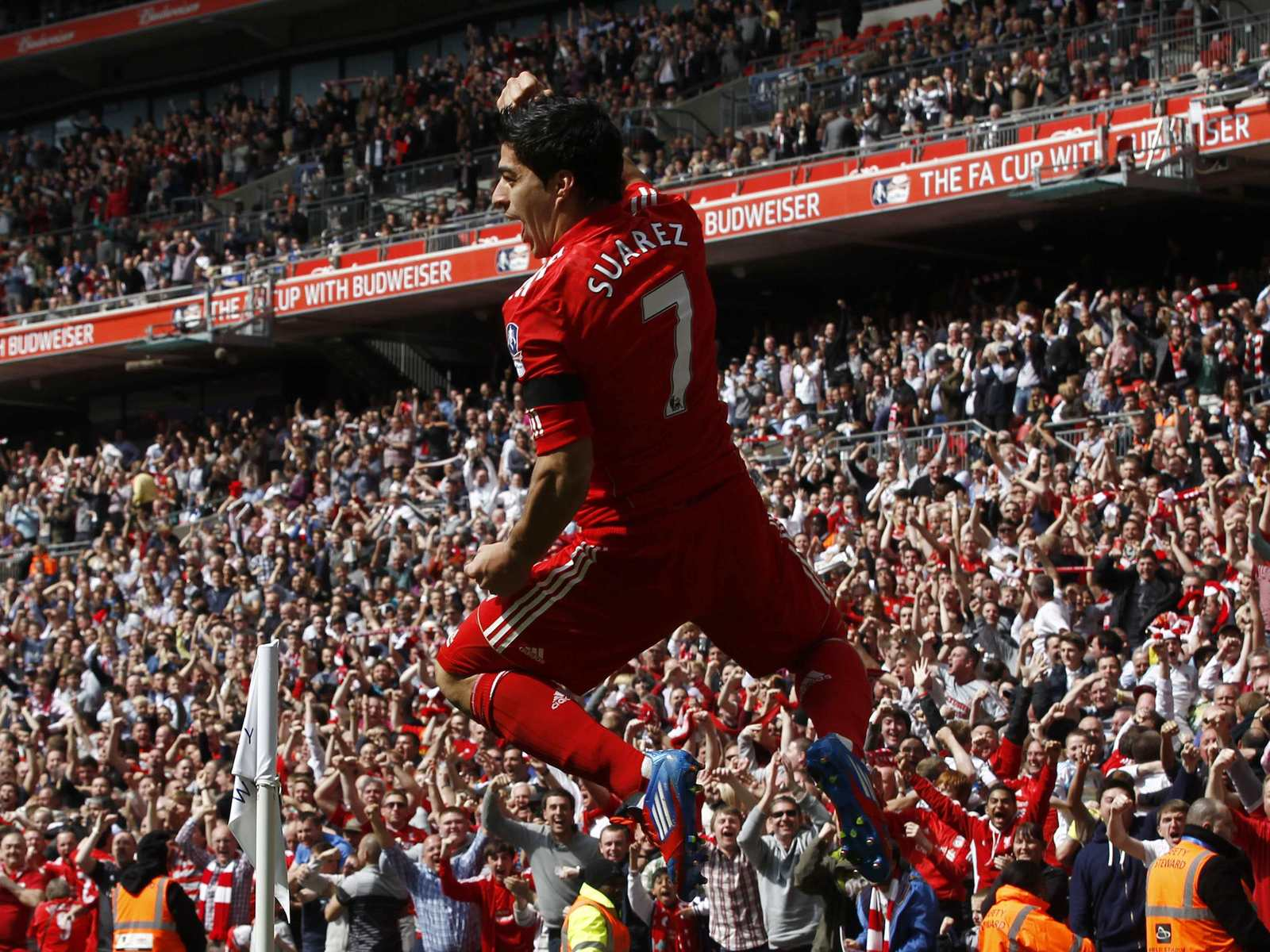 Desktop wallpaper suarez number 7 liverpool desktop wallpaper - Suarez liverpool wallpaper ...