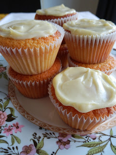 Honey, Almond and White Chocolate Cupcakes