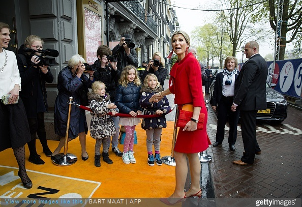 Dutch Queen Maxima arrives to attend the 10-year jubilee of the Foundation Vier het Leven (Celebrate Life) on May 3, 2015 in Amsterdam.The foundation is committed to elderly people and volunteers take them out to theatre, concert or movie.