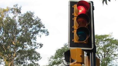 Conduccion eficiente para gastar menos  1-semaforos-
