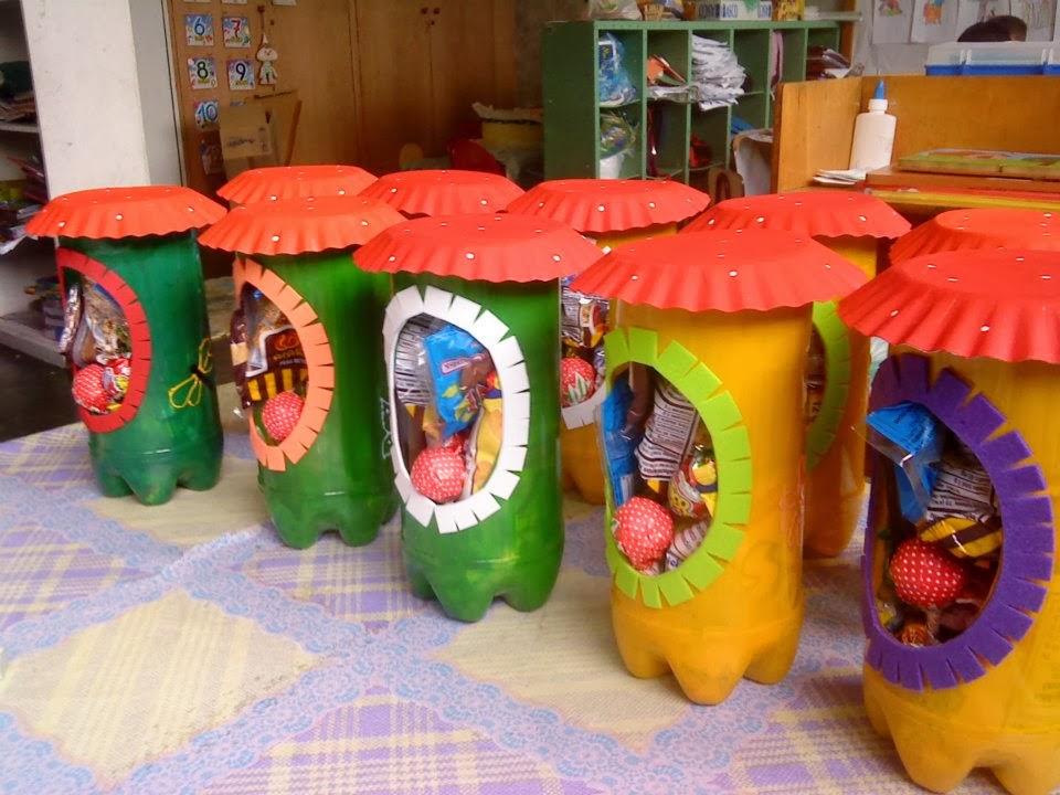 Mis manualidades cotillones realizado con material reciclable for Puertas de material reciclado