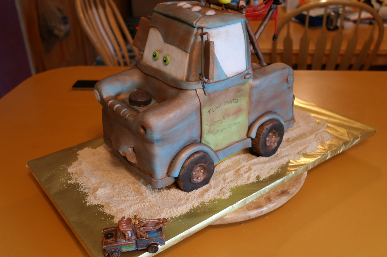 Creative Cake Confections An Adventure In Cake Tow Mater 3d Cake