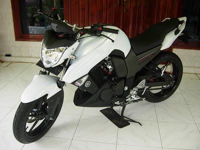 Gambar Modifikasi Motor: Yamaha Bison Putih Gambar Modifikasi Motor: Yamaha Bison Putih