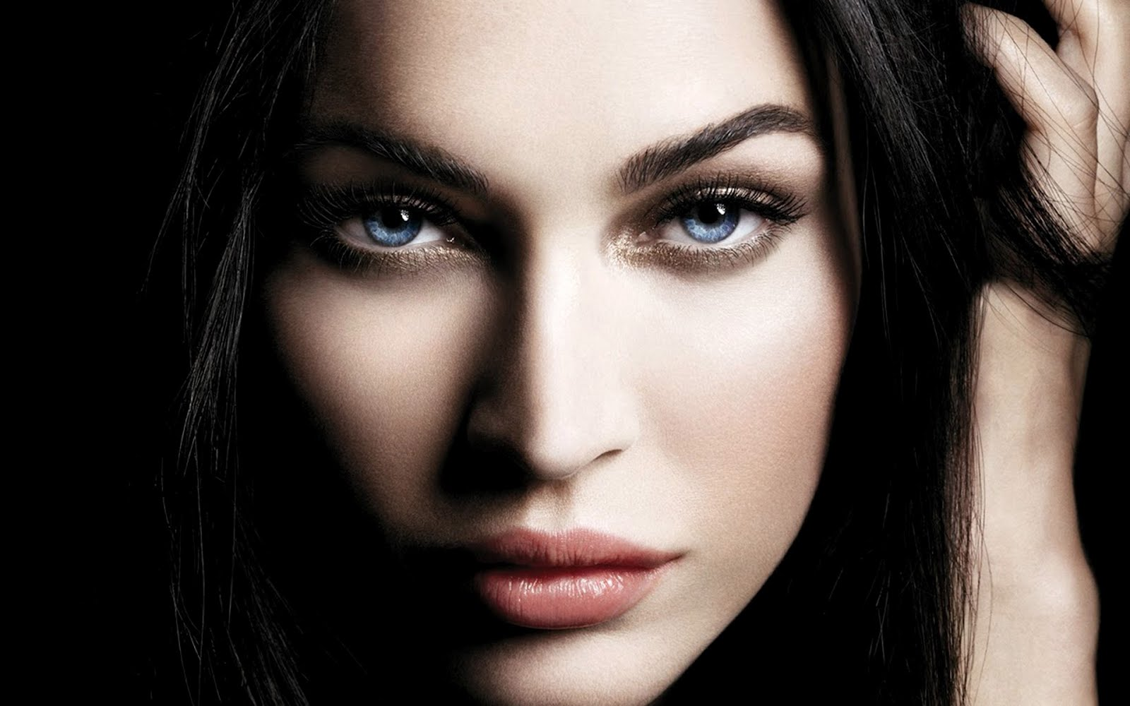 http://4.bp.blogspot.com/-vyoiGwcF708/T034U1_5xaI/AAAAAAAABKA/cv7h_jjkJ8M/s1600/Face%2B3.jpeg