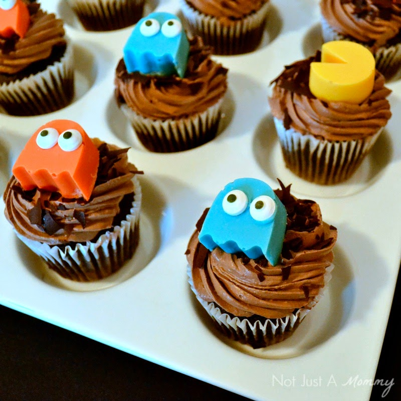 Classic Arcade Game Truck Party Pac-Man and Ghost cupcakes