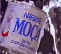"""Propaganda do Leite Moça em 1992 com o slogan """"Bateu. Tomou""""."""