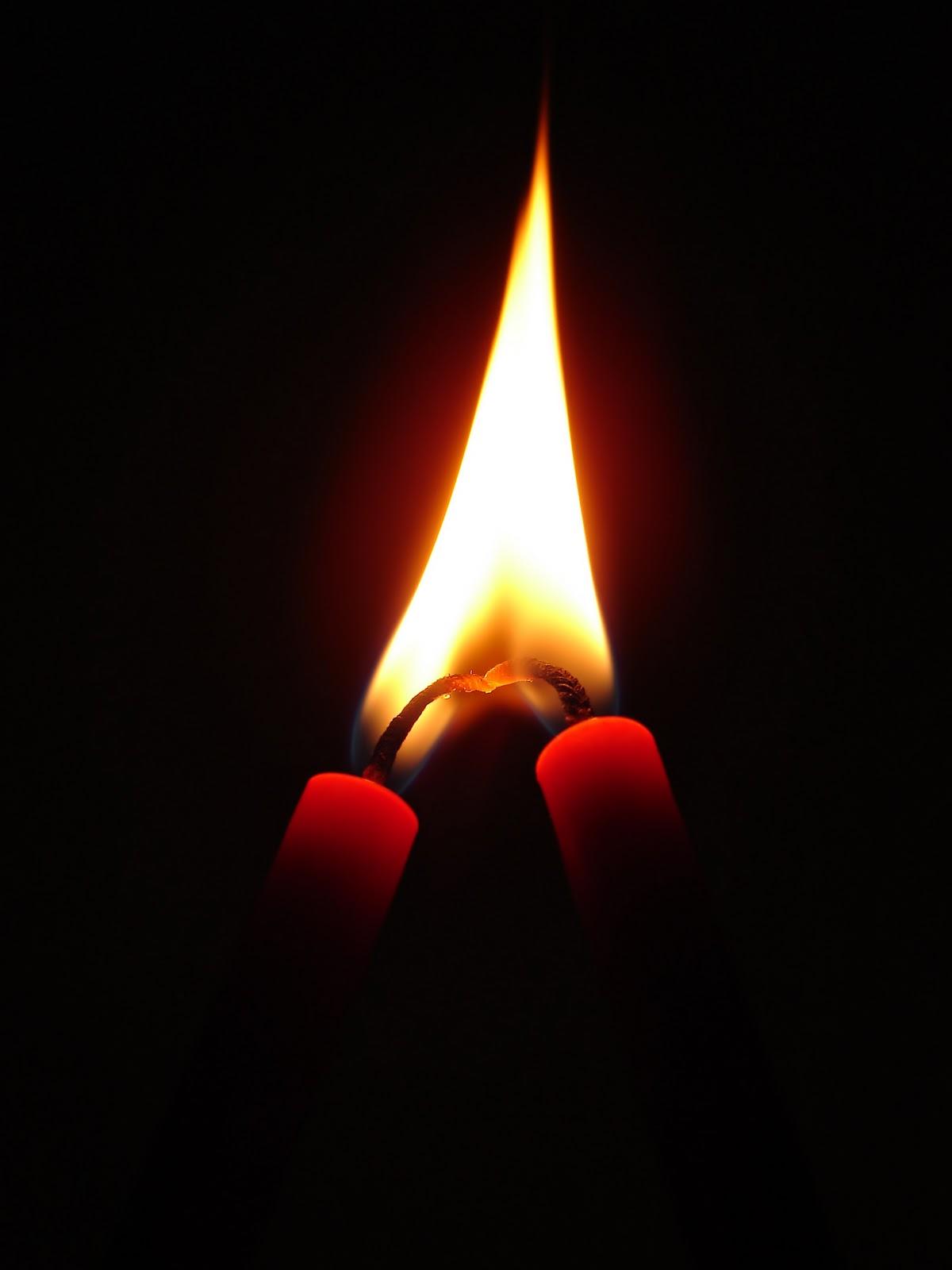 http://4.bp.blogspot.com/-vz5zxmG5X3U/TyJ30OaqRVI/AAAAAAAACK4/-zYEbONqDro/s1600/Candles_in_Love_07406.jpg