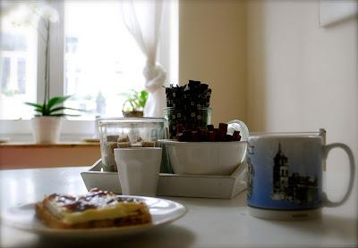Breakfast - 365 mornings - coffee with cinnamon - white room
