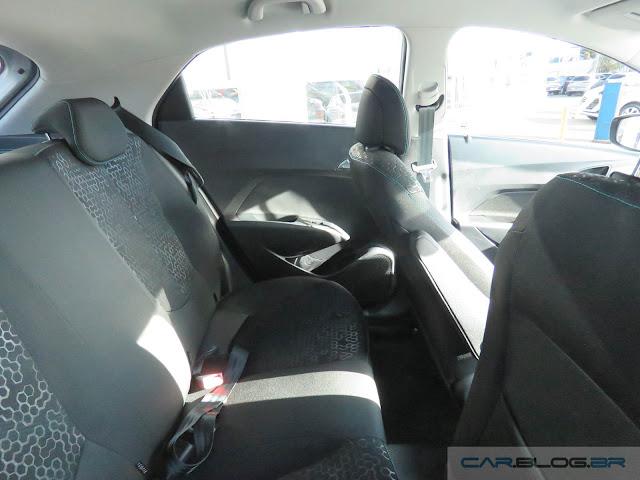 Hyundai HB20 X 2016 Style 1.6 Automático - interior - espaço traseiro