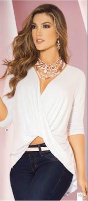 Blusa blanca escote drapeado c-13