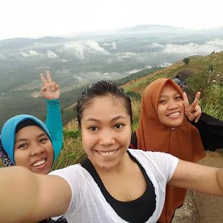 Pendakian bersama mereka di Broga Hill