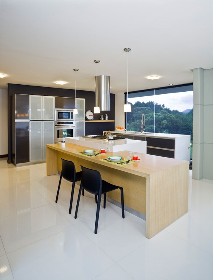 Kitchen in Modern architecture house by Carlos Molina