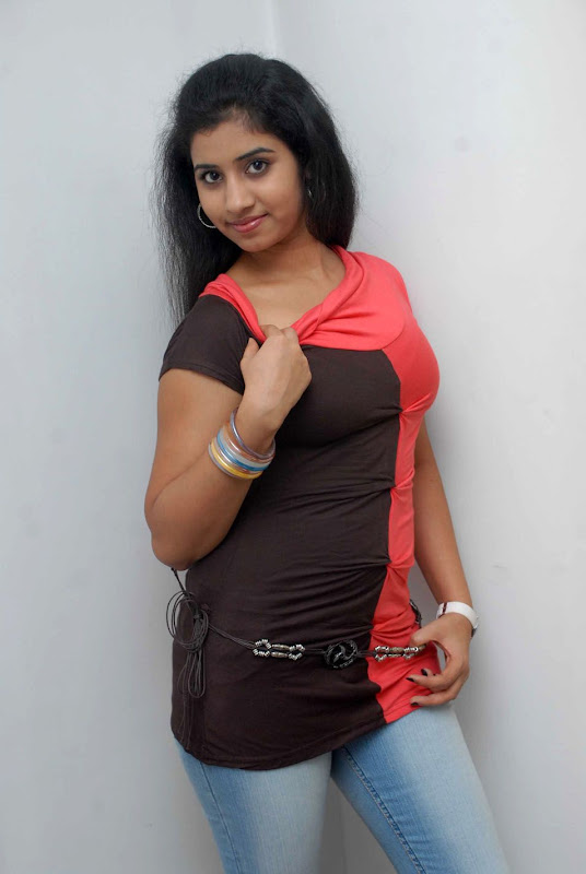 Actress In South Sushma Latest Photo Shoot Stills Gallery cleavage