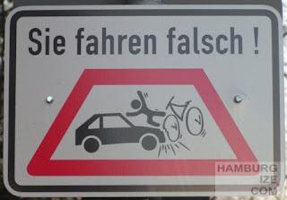 """Düsseldorf - Zusatzzeichen """"Geisterradler"""""""