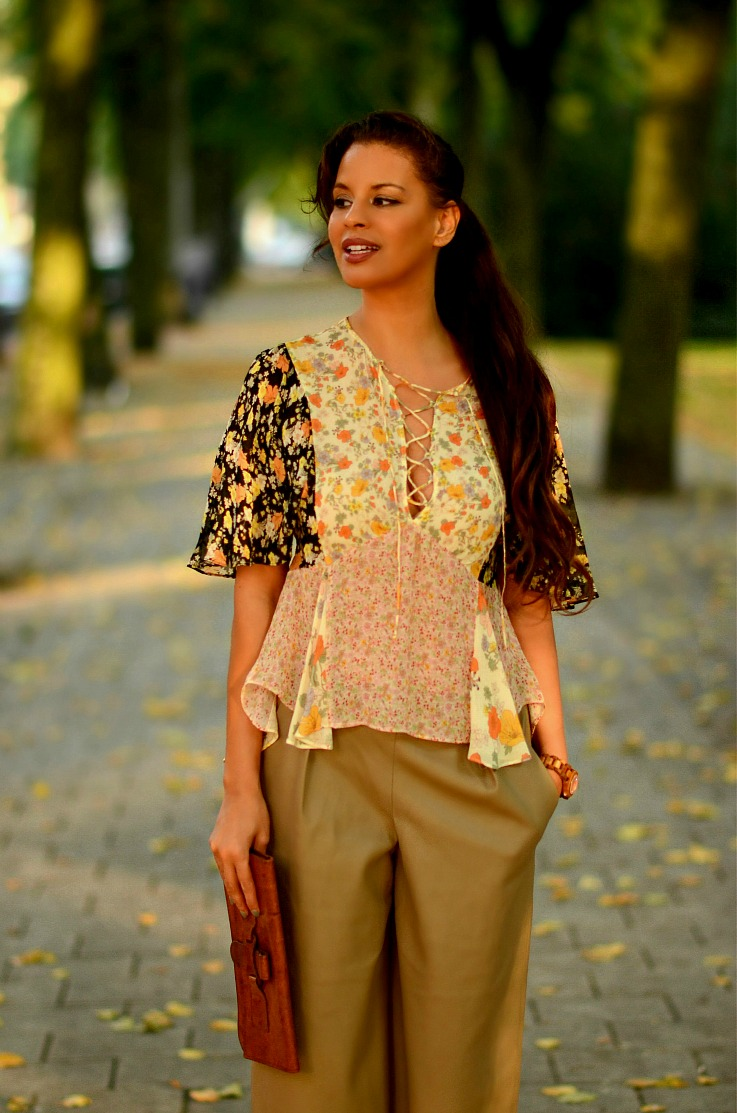 Tamara Chloé, TC Style Clues, Zara Culottes,Zara Fringe ankle boots, Zara Floral lace up blouse, Amsterdam
